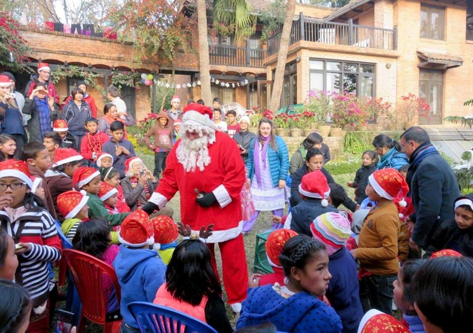 Father Christmas visits NYF children